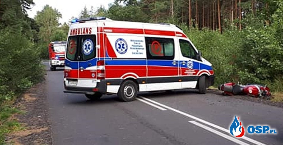 Motocyklista wjechał w rowerzystę. Obaj zginęli. OSP Ochotnicza Straż Pożarna
