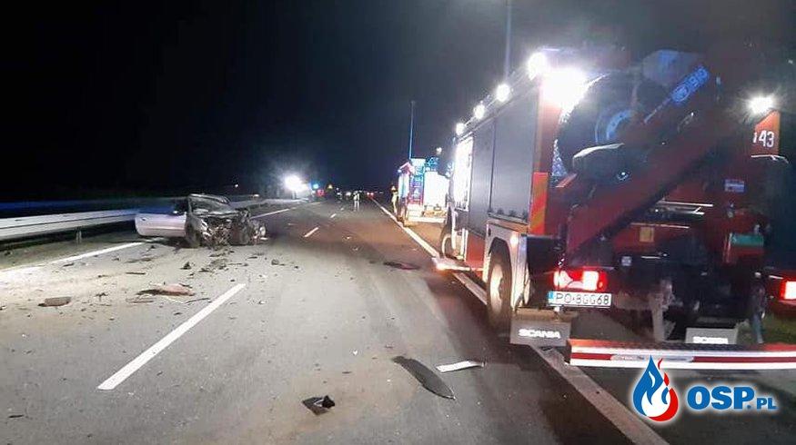 Tragiczny wypadek na autostradzie A2. Nie żyje jeden z kierowców. OSP Ochotnicza Straż Pożarna