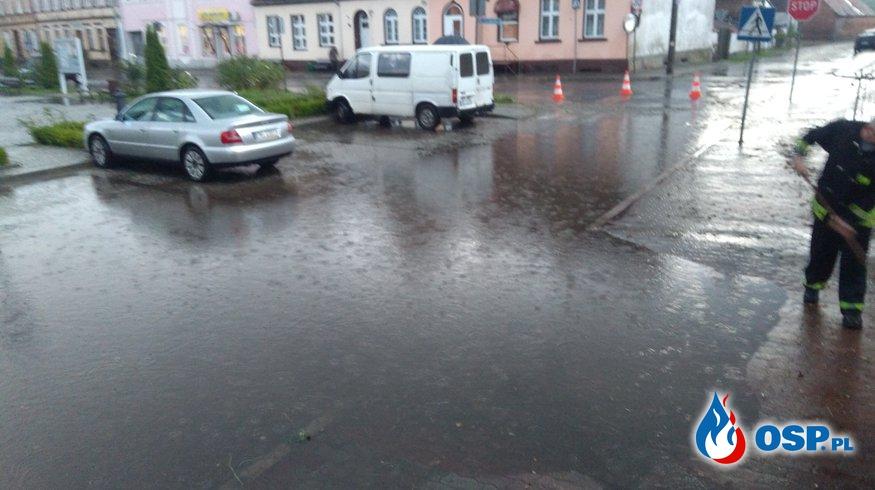 Rynek i ulica Kościuszki pod wodą OSP Ochotnicza Straż Pożarna