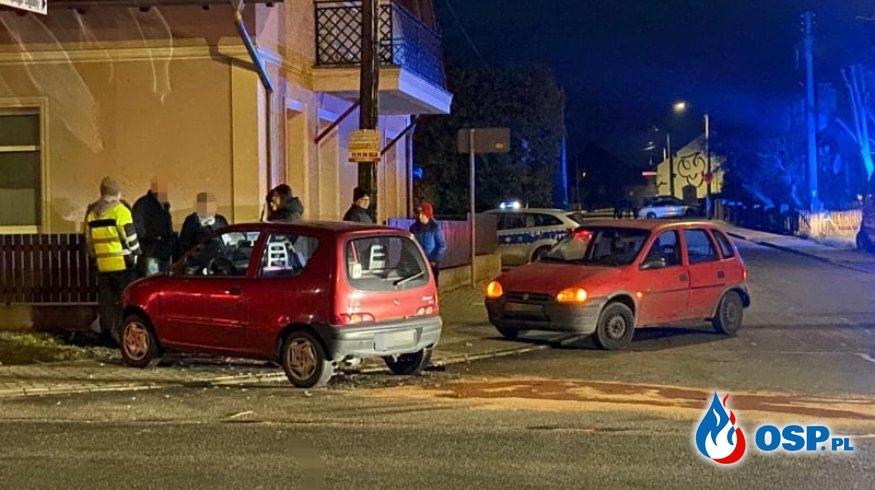 Zderzenie dwóch pojazdów na skrzyżowaniu OSP Ochotnicza Straż Pożarna