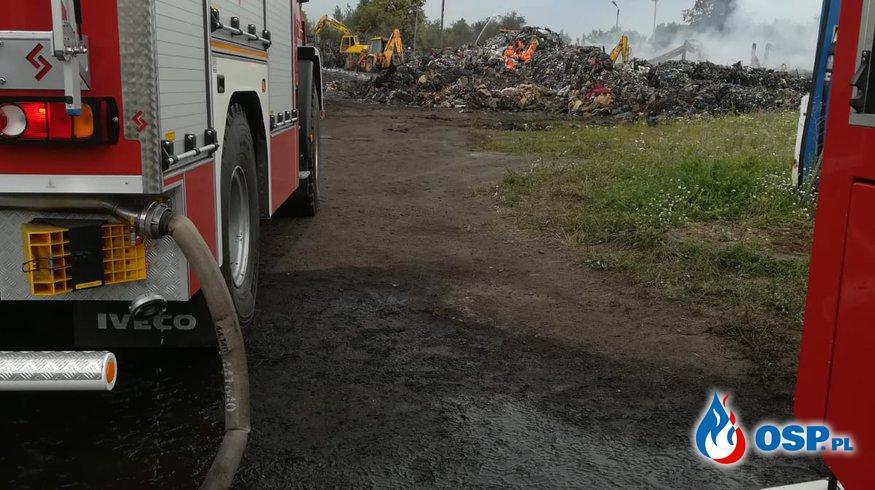 Pożar nielegalnego wysypiska śmieci w Dąbrowie k.Opola OSP Ochotnicza Straż Pożarna