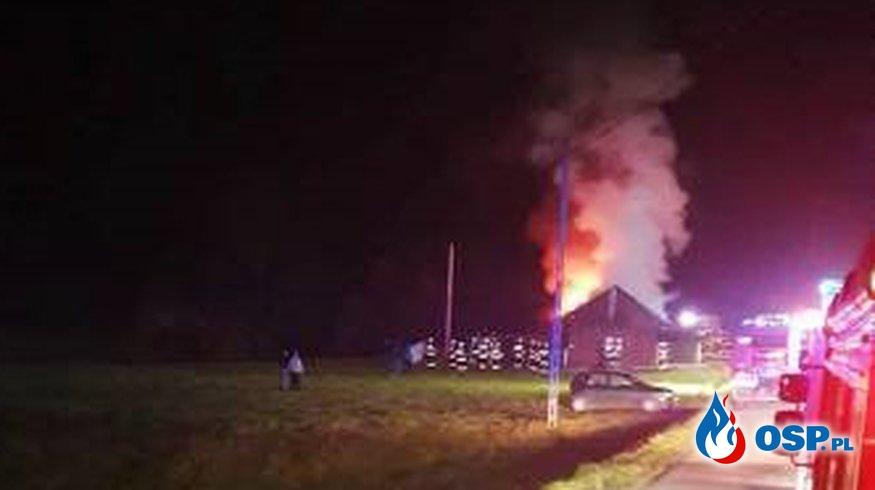 Drewniany dom w ogniu. Groźny pożar w Lipnicy Wielkiej. OSP Ochotnicza Straż Pożarna
