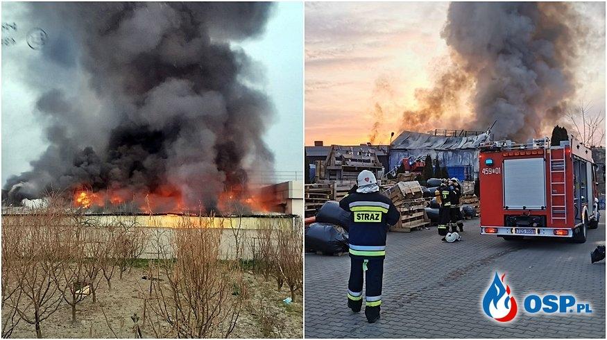 Pożar w fabryce mebli w Świętokrzyskiem. W akcji 15 zastępów strażaków. OSP Ochotnicza Straż Pożarna