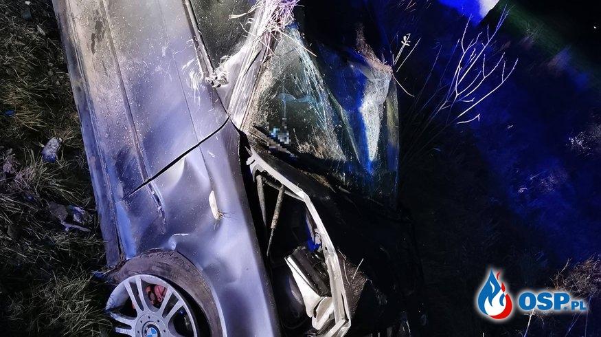 Dachowanie samochodu na Wkrze OSP Ochotnicza Straż Pożarna