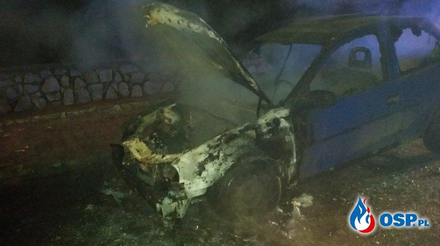 Pożar samochodu na ul. Opolskiej w Białej OSP Ochotnicza Straż Pożarna