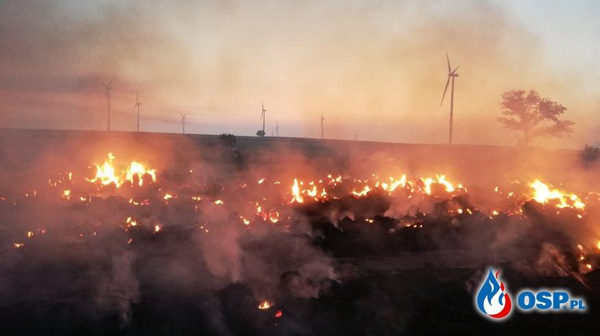 Nocny pożar 6 stert słomy OSP Ochotnicza Straż Pożarna