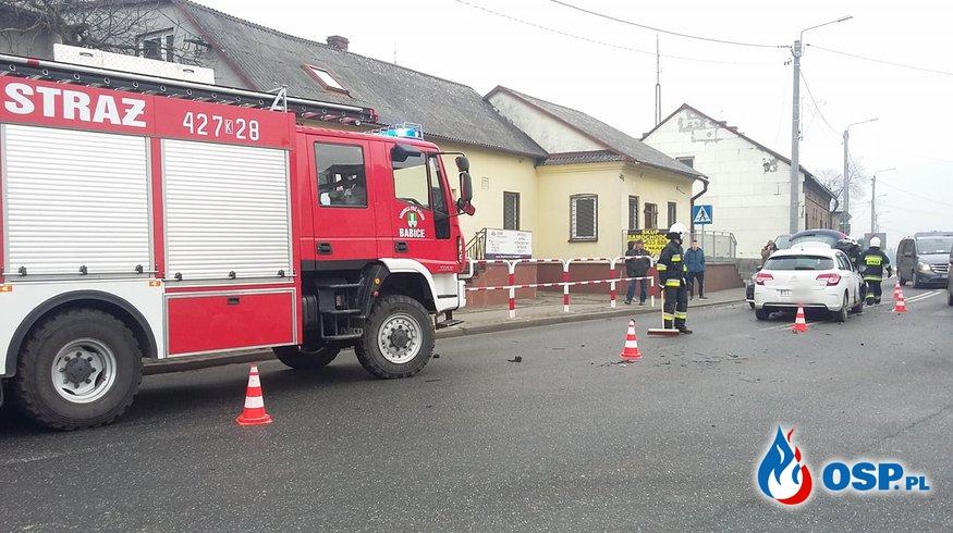 Wypadek drogowy - skrzyżowanie ulic Krakowskiej i Zakopiańskiej w Babicach OSP Ochotnicza Straż Pożarna