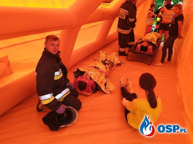 Trzy wypadki i awaria łączności radiowej. To scenariusz ćwiczeń powiatowych KSRG w Laskowej. OSP Ochotnicza Straż Pożarna