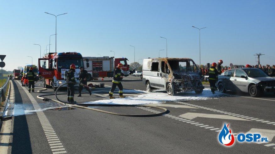 Zderzenie 4 aut i pożar. Ćwiczenia na obwodnicy Radomia OSP Ochotnicza Straż Pożarna