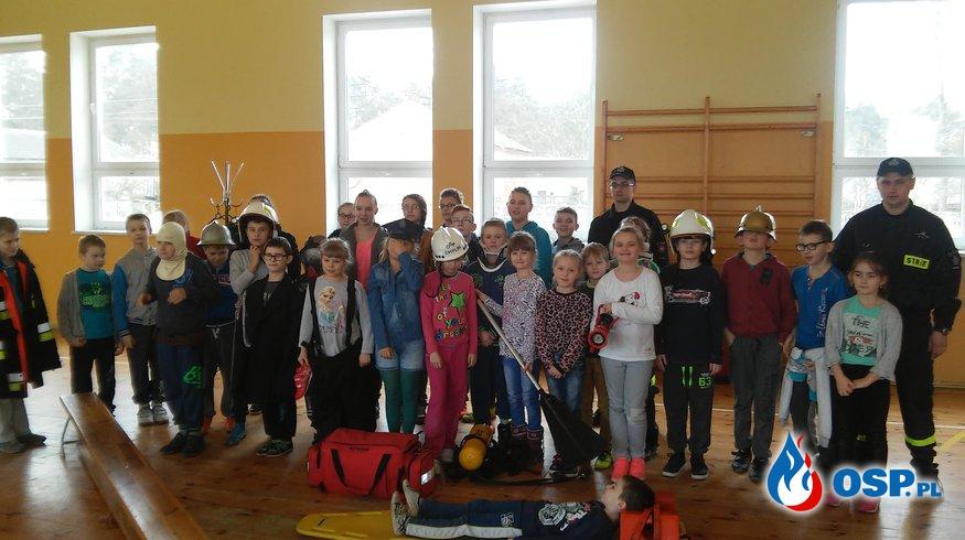 Dzień wiosny w Szkole Podstawowej w Chylinie z OSP. OSP Ochotnicza Straż Pożarna