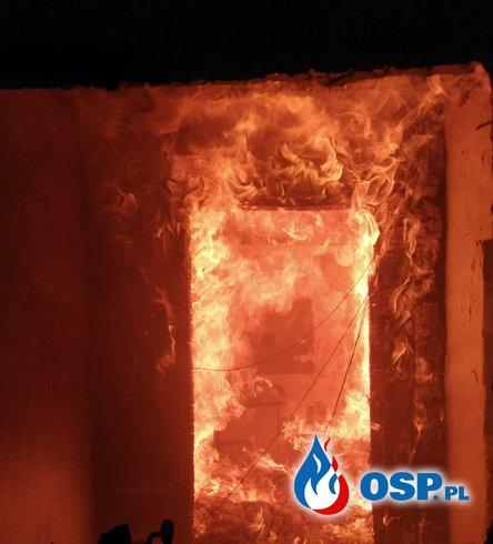 Pożar budynku w Starej Prawdziwe OSP Ochotnicza Straż Pożarna