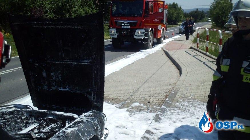 Pożar samochodu osobowego na DW 955 - 11 czerwca 2019r. OSP Ochotnicza Straż Pożarna