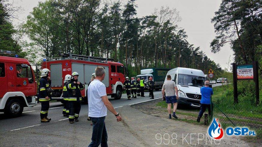 Wypadek drogowy - 4 pojazdów OSP Ochotnicza Straż Pożarna
