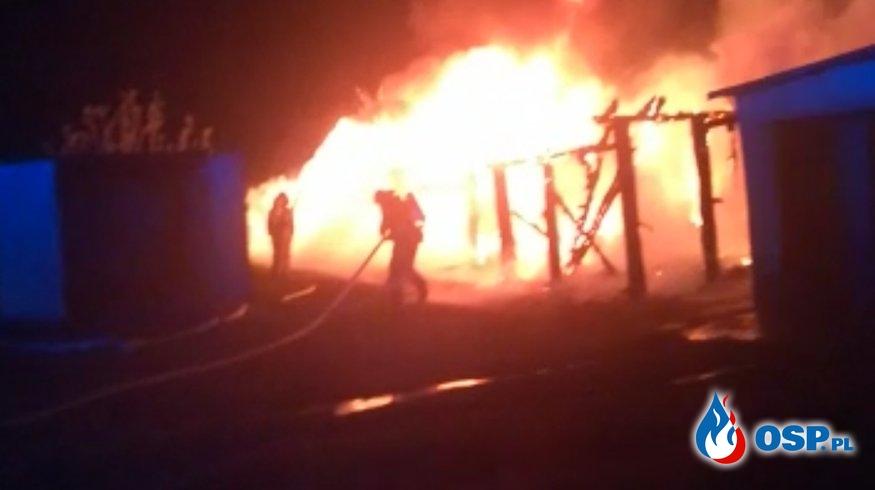 Pożar budynku gospodarczego i garażu w Otmicach OSP Ochotnicza Straż Pożarna