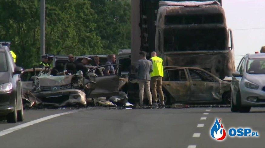 Pięcioosobowa rodzina zginęła w tragicznym wypadku pod Szczecinem. Nowe fakty po karambolu na A6. OSP Ochotnicza Straż Pożarna