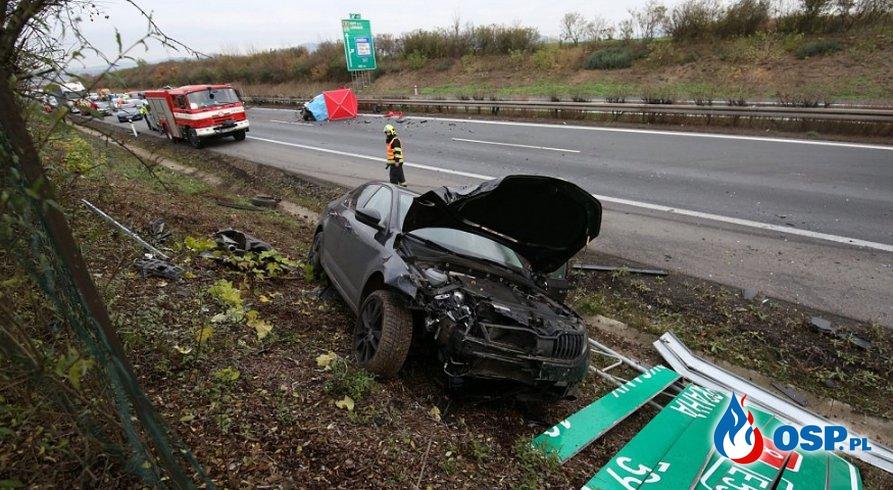 72-latek jechał pod prąd autostradą. Skończyło się wypadkiem śmiertelnym. OSP Ochotnicza Straż Pożarna