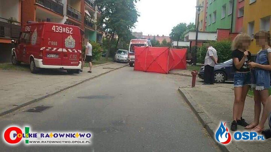 Samobójstwo 27-latka w Wołczynie. Skoczył z dachu, zanim na miejsce dojechały służby. OSP Ochotnicza Straż Pożarna