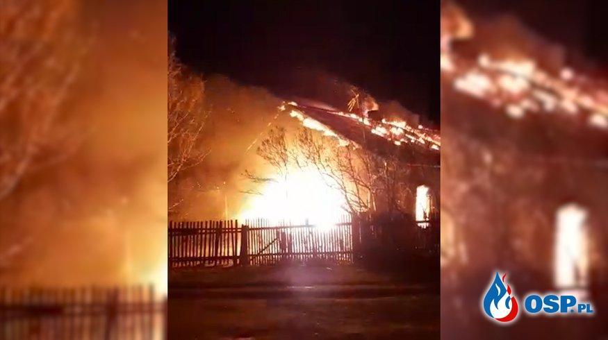 Dom doszczętnie spłonął po uderzeniu pioruna. OSP Ochotnicza Straż Pożarna