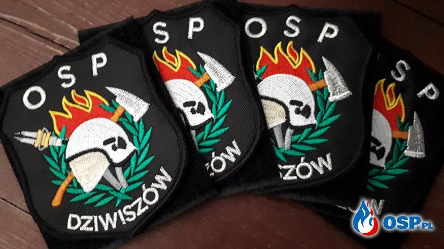 Nowe naszywki w OSP Dziwiszów. OSP Ochotnicza Straż Pożarna