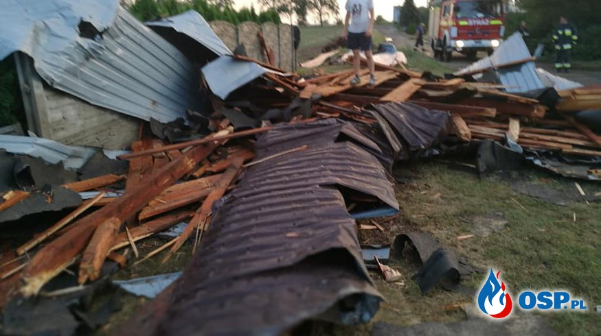 Silne wiatry i pozrywane dachy w miejscowości Nowy Dwór Prudnicki OSP Ochotnicza Straż Pożarna
