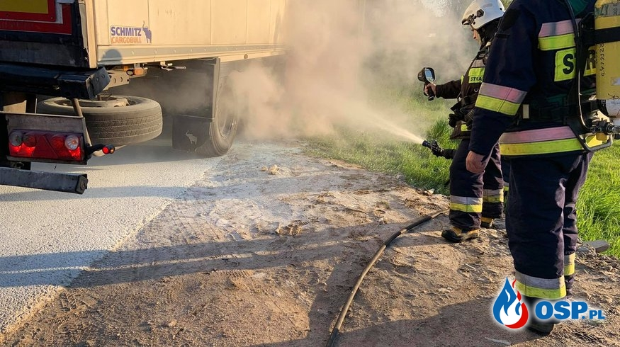 Pożar opony w naczepie ciężarowej na DK7 OSP Ochotnicza Straż Pożarna