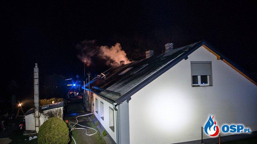 Pożar domu w Zawadzkiem. Mieszkaniec przybiegł zgłosić pożar do remizy! OSP Ochotnicza Straż Pożarna