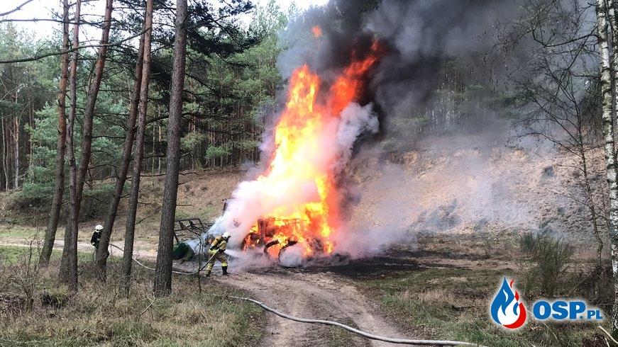 16/2020 Pożar maszyny pracującej w lesie OSP Ochotnicza Straż Pożarna
