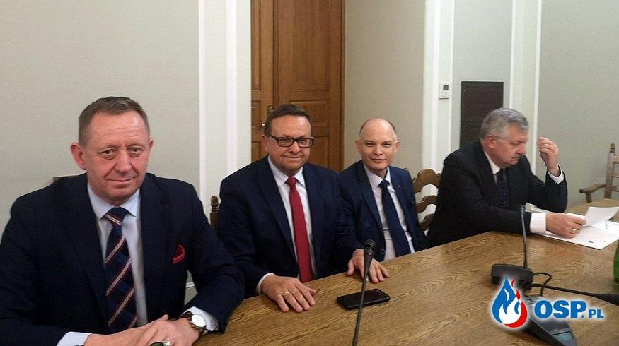 W Sejmie powołano Parlamentarny Zespół Strażaków OSP Ochotnicza Straż Pożarna