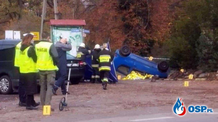 Strażak OSP zginął jadąc na alarm do remizy. Jego auto rozbiło się na ogrodzeniu. OSP Ochotnicza Straż Pożarna