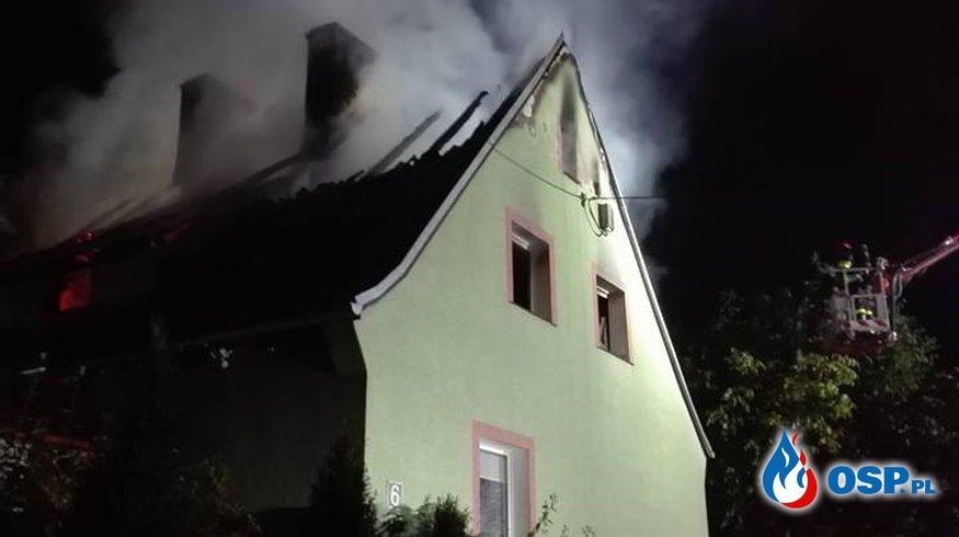 Pożar stodoły w Templewie takie było zgłoszenie a okazało się że pali się dom . OSP Ochotnicza Straż Pożarna