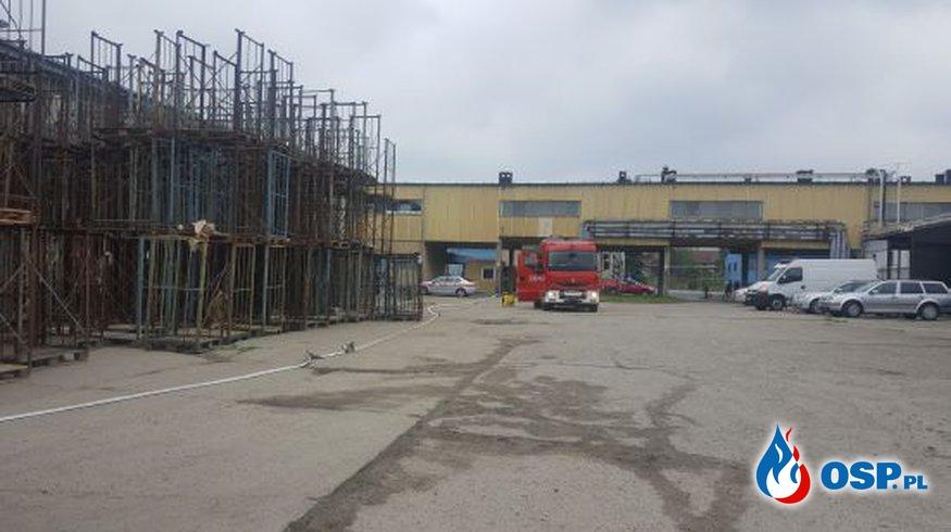 Wyciek amoniaku w zakładzie przetwórstwa owocowo-warzywnego OSP Ochotnicza Straż Pożarna