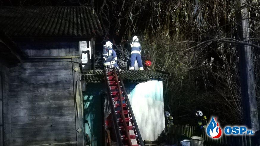 Pożar poddasza w budynku mieszkalnym OSP Ochotnicza Straż Pożarna