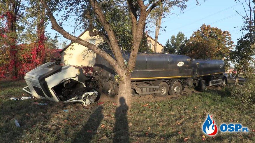 Po tragicznym wypadku cysterna zatrzymała się tuż przed domem OSP Ochotnicza Straż Pożarna