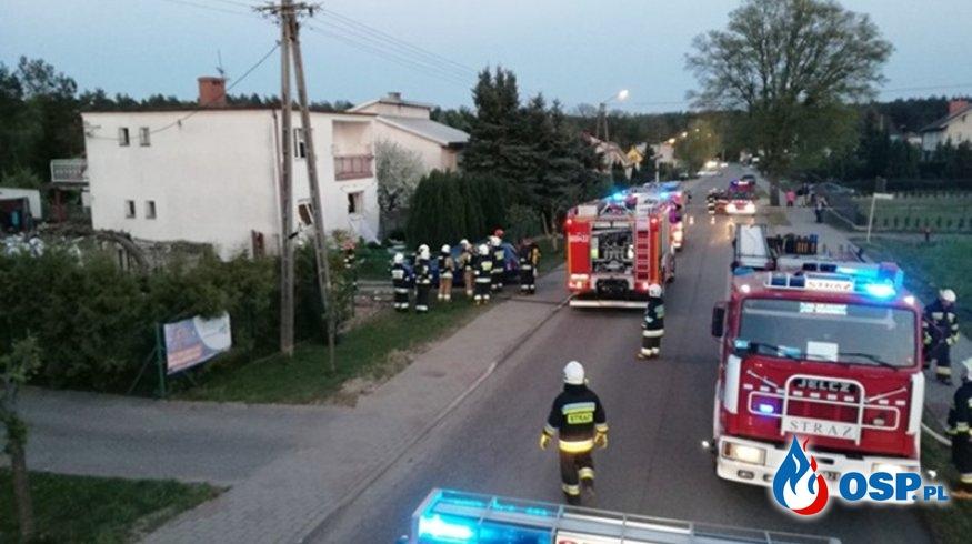 Eksplozja gazu i pożar. Wybuch naruszył konstrukcję budynku. OSP Ochotnicza Straż Pożarna