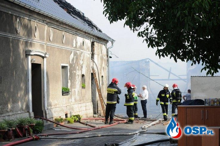 20 krów spłonęło w pożarze budynków gospodarczych pod Opolem OSP Ochotnicza Straż Pożarna