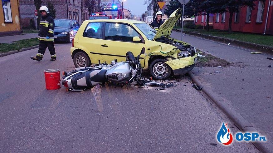 Zderzenie motocykla z samochodem osobowym OSP Ochotnicza Straż Pożarna