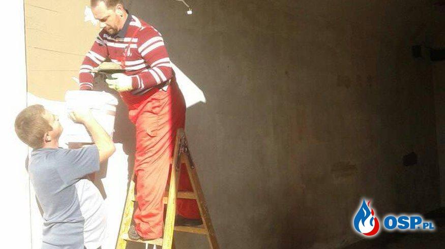 Odświeżanie garażu w Naszej OSP ruszył pełną parą prace prowadzą Strażacy z naszej OSP OSP Ochotnicza Straż Pożarna