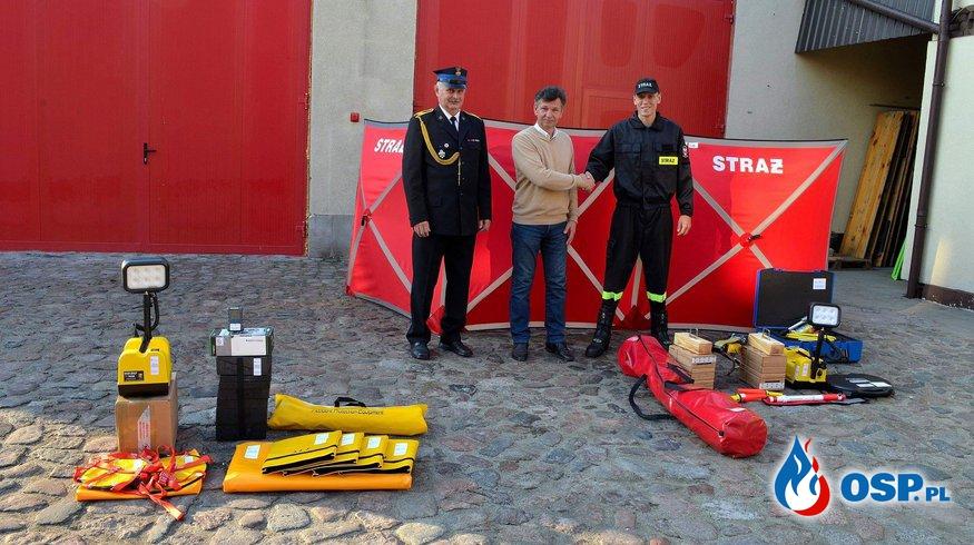 Przekazanie sprzętu w ramach funduszu sprawiedliwości OSP Ochotnicza Straż Pożarna