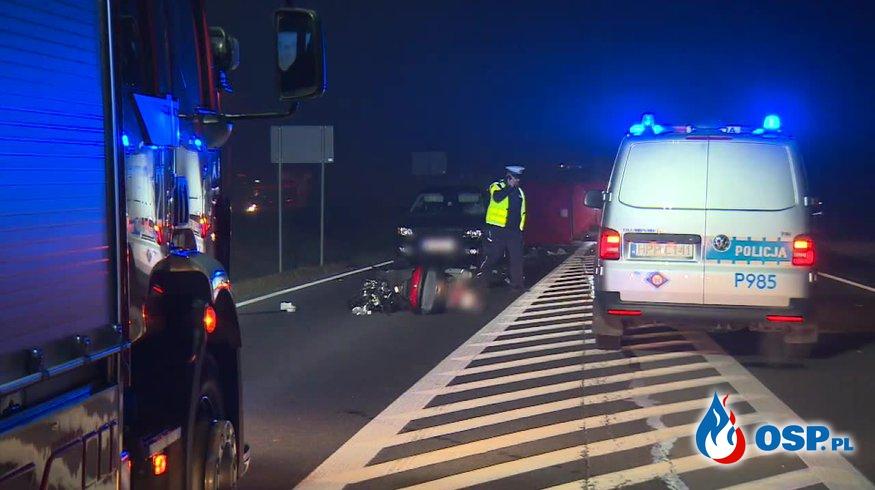 Tragiczny wypadek pod Częstochową. 31-latek skuterem uderzył w samochód. OSP Ochotnicza Straż Pożarna
