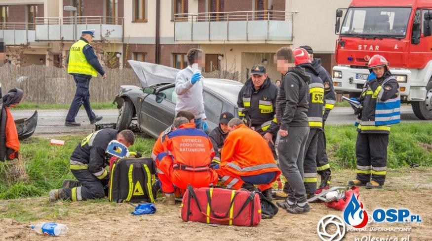 Wypadek dwóch samochodów w Oleśnicy. W akcji śmigłowiec LPR. OSP Ochotnicza Straż Pożarna
