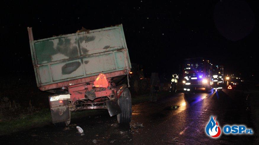 Zderzenie ciągnika i osobówki OSP Ochotnicza Straż Pożarna