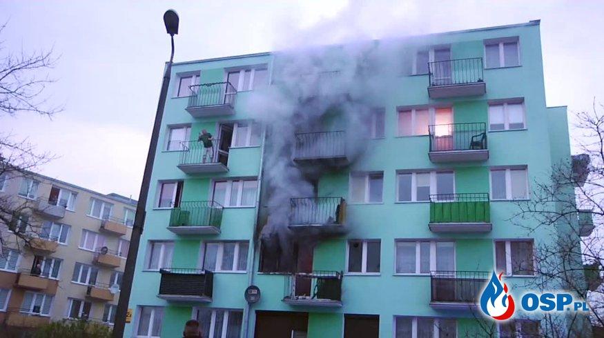 99-letni mężczyzna zginął w pożarze bloku we Włocławku OSP Ochotnicza Straż Pożarna