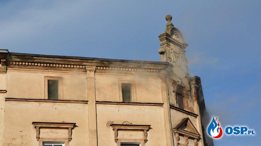 Pożar poddasza w  Kamiennej Górze OSP Ochotnicza Straż Pożarna
