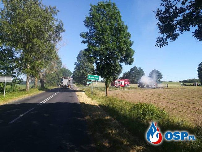 07.06 Pożar dwóch przyczep z sianem oraz trawy przy poboczu DW 201. OSP Ochotnicza Straż Pożarna