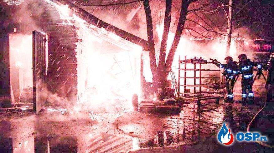 Pożar w Rudzie. Spłonęła kotłownia oraz wiata z opałem. OSP Ochotnicza Straż Pożarna