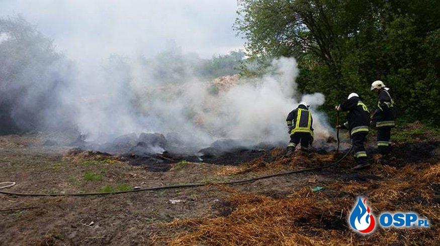 Pożar snopków słomy  OSP Ochotnicza Straż Pożarna
