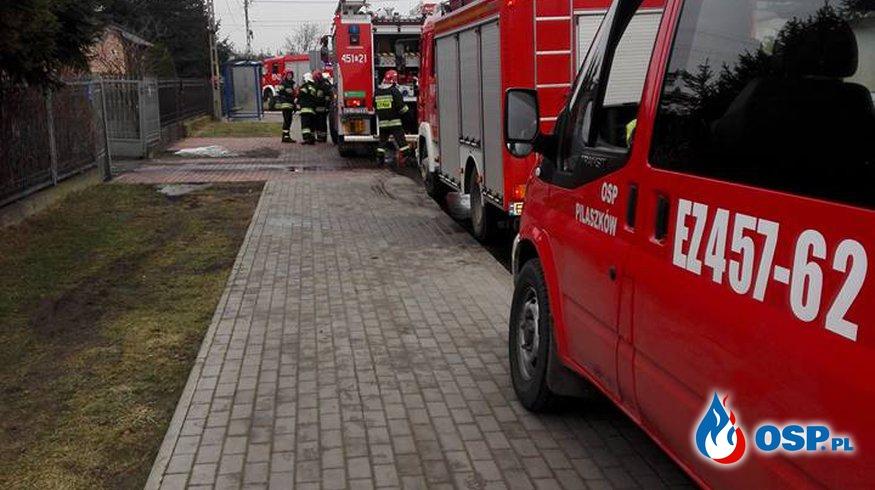Pożar domu mieszkalnego na ul. Nadbzurzańskiej w Łowiczu OSP Ochotnicza Straż Pożarna