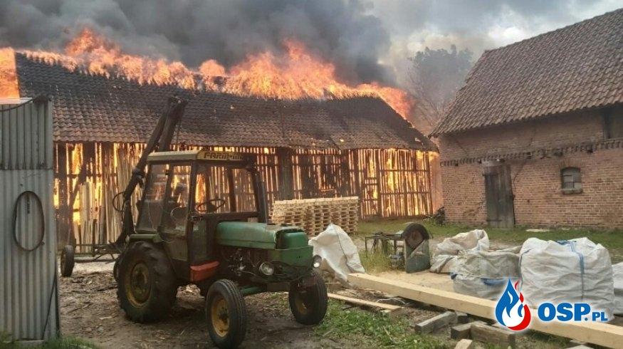 Pożar stodoły i budynku gospodarczego w miejscowości Liwa OSP Ochotnicza Straż Pożarna