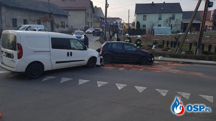 Kolizja drogowa na skrzyżowaniu ul. Kilińskiego – Stare Miasto w Białej OSP Ochotnicza Straż Pożarna