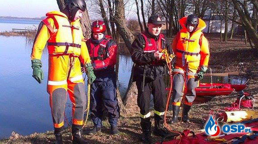 Ćwiczenia z ratownictwa lodowego połączone z edukacją profilaktyczną. OSP Ochotnicza Straż Pożarna